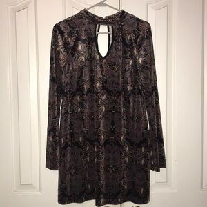 Xhilaration Key Hole Long Sleeves Tunic Top Large